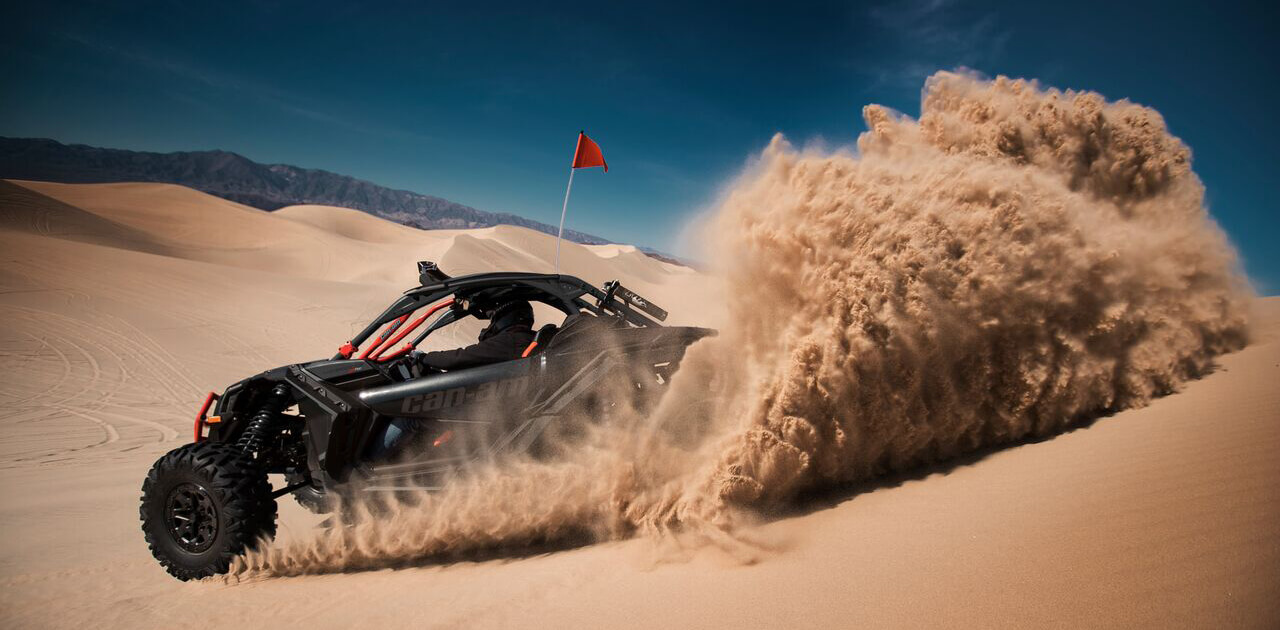 Maverick-X3-Xrs-Triple-Blackk-Dune-1