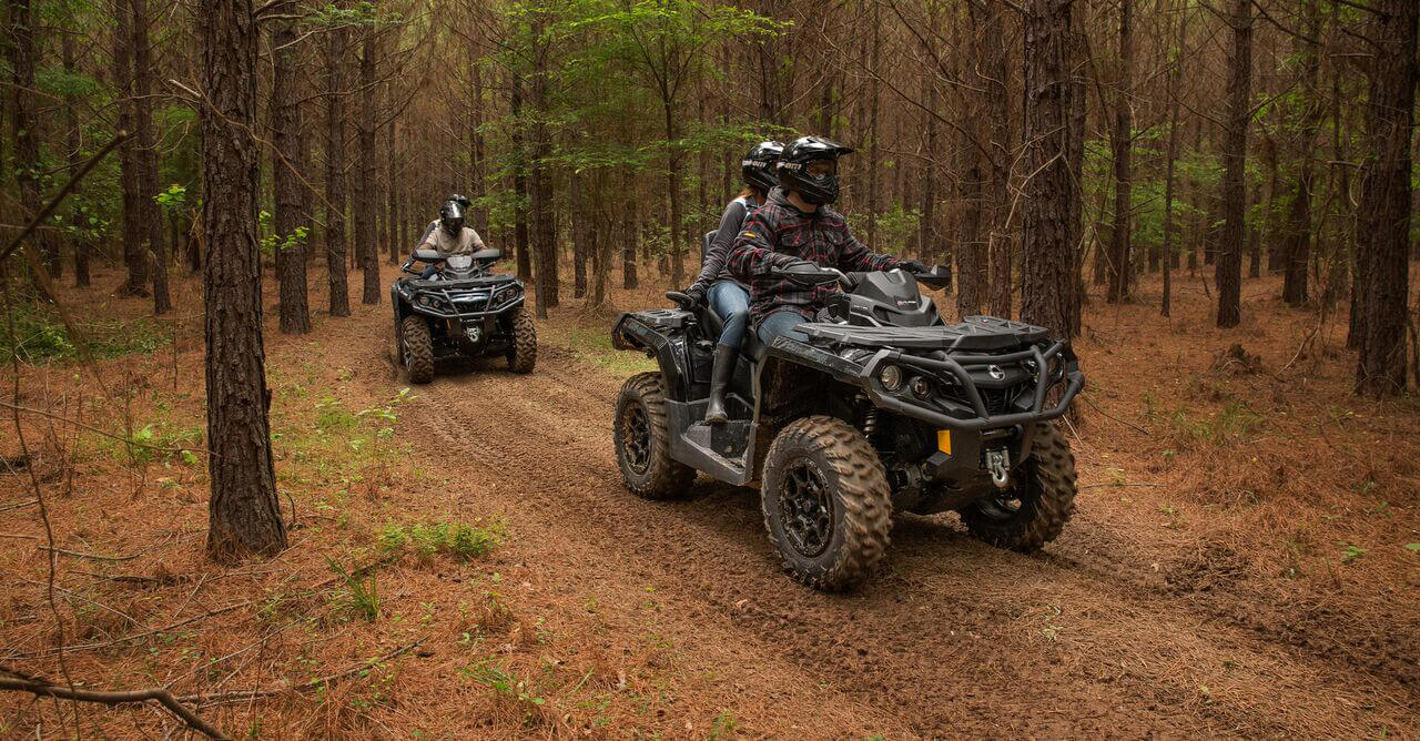 Outlander-MAX-LIMITED-1000R4-Outlander-MAX-XT-P-Trail-Riding